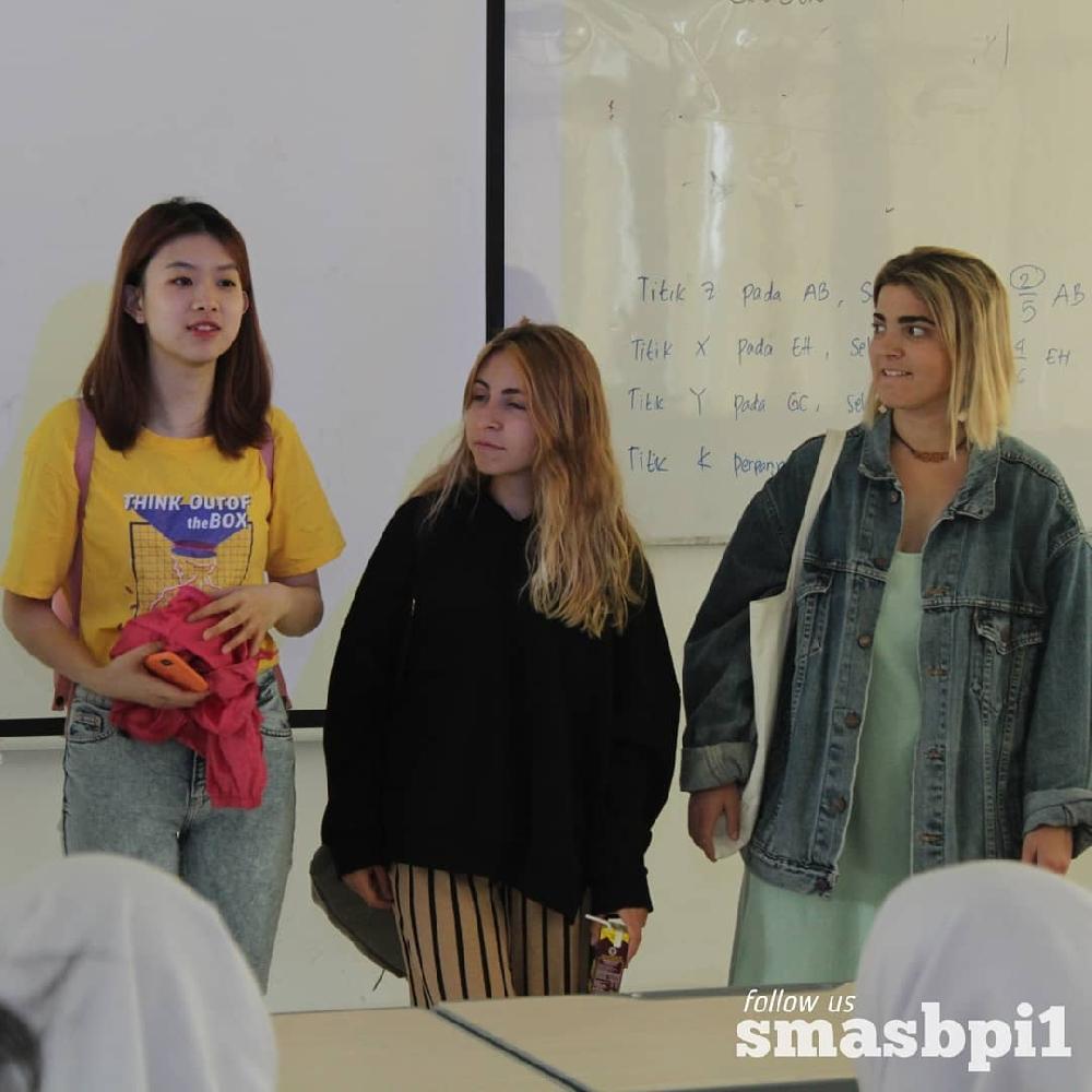 SMA BPI 1 BANDUNG Kunjungan AIESEC Ke BPI 1